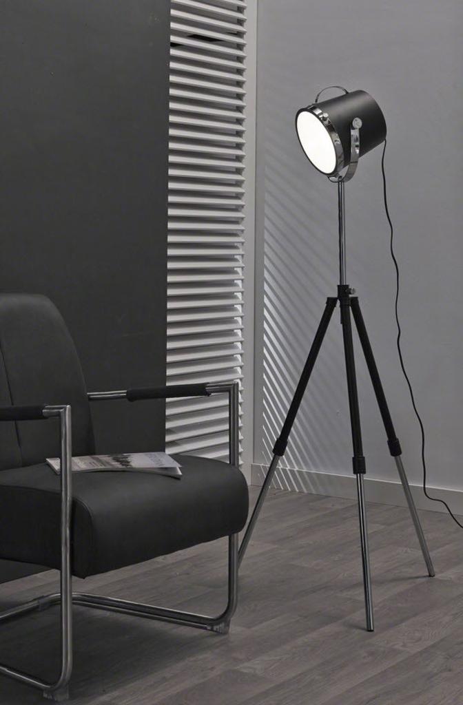 Davidi design davidi design espen vloerlamp zwart van for Industriele schemerlamp