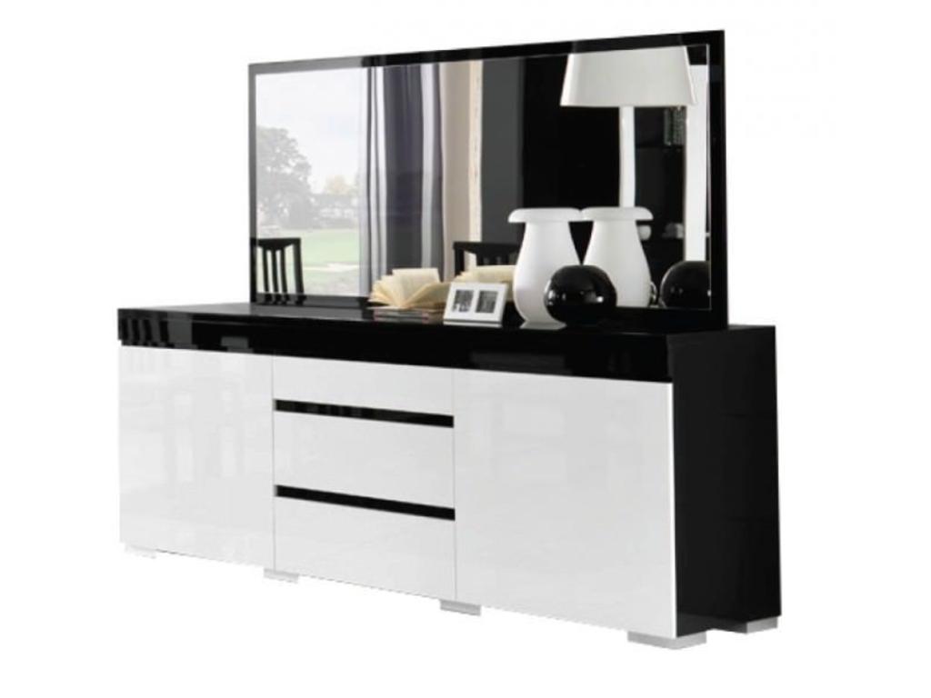 Europese keuken modellen - Woonkamer in zwart ...